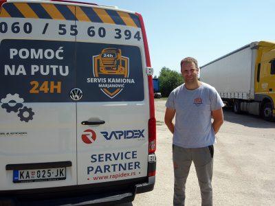 "Pomoć na putu ""Marjanović"": Gde god kamion da stane Duško stiže"